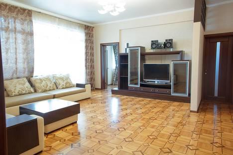 Сдается 3-комнатная квартира посуточнов Хосте, Первомайская ул. 11.