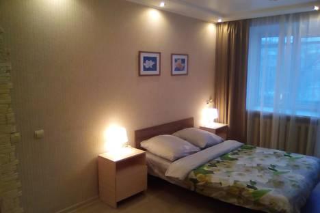 Сдается 1-комнатная квартира посуточно в Казани, ул. Татарстан, 52.