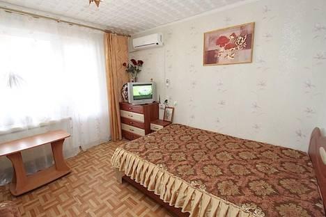Сдается 2-комнатная квартира посуточно в Феодосии, ул. Крымская, 29.