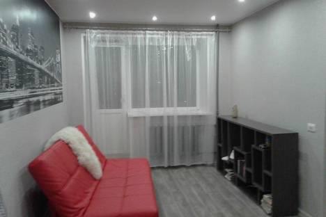 Сдается 1-комнатная квартира посуточнов Кирове, Азина, 49.