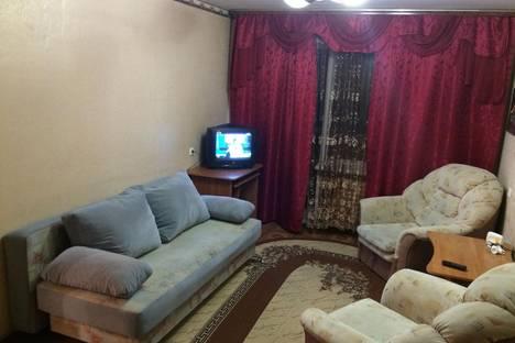 Сдается 1-комнатная квартира посуточно в Кургане, 3 микр 28 дом.