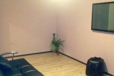 Сдается 2-комнатная квартира посуточно в Уральске, Курмангазы 102.