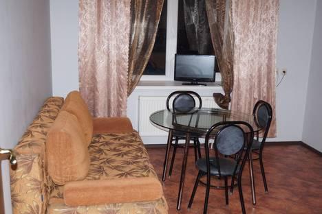 Сдается 2-комнатная квартира посуточнов Екатеринбурге, 8 Марта, 194.