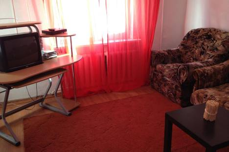 Сдается 3-комнатная квартира посуточнов Ханты-Мансийске, ул. Школьная,  2а.