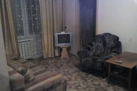 Сдается 2-комнатная квартира посуточно в Миассе, пр. Автозаводцев, 44.