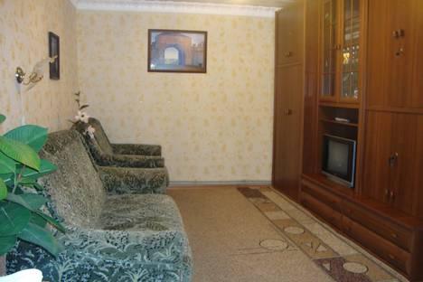 Сдается 2-комнатная квартира посуточно, Багликова, 12.