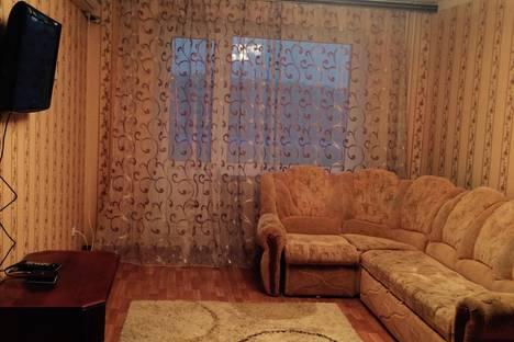 Сдается 2-комнатная квартира посуточно в Балакове, ул. Степная, 68.