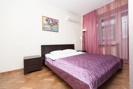 Сдается 2-комнатная квартира посуточно в Москве, ул. Брянская, 2.