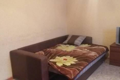 Сдается 1-комнатная квартира посуточно в Астане, ул. Каныша Сатпаева, 23.
