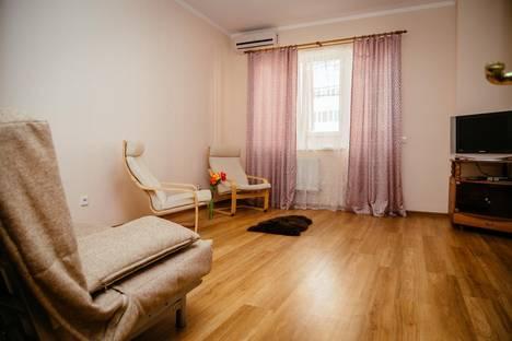 Сдается 2-комнатная квартира посуточно в Краснодаре, ул. Кожевенная, 42.