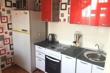 Сдается 1-комнатная квартира посуточнов Усолье-Сибирском, 32 микрорайон, дом 20.