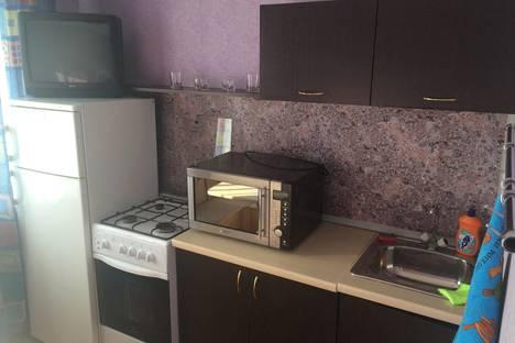 Сдается 2-комнатная квартира посуточно в Ангарске, 13 микрорайон, дом 12.