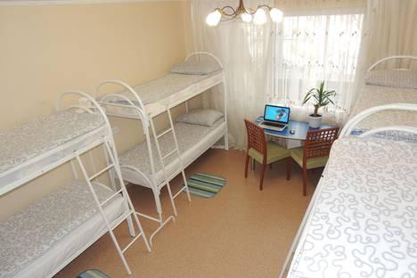 Сдается 4-комнатная квартира посуточнов Екатеринбурге, Самоцветный бульвар, 6.
