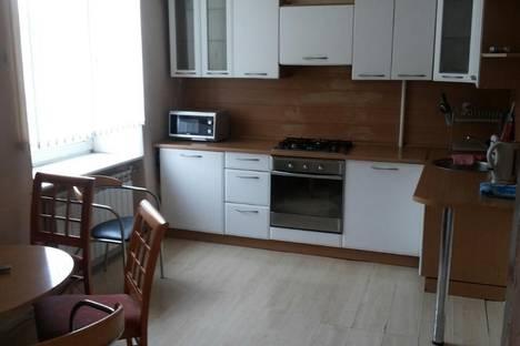 Сдается 3-комнатная квартира посуточно в Перми, ул. Героев Хасана, 12.