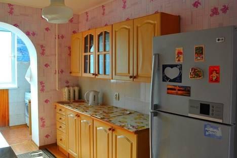 Сдается 3-комнатная квартира посуточно в Партените, ул . Победы  дом  19.