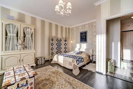 Сдается 1-комнатная квартира посуточнов Ломоносове, проспект Королёва, 63к1.