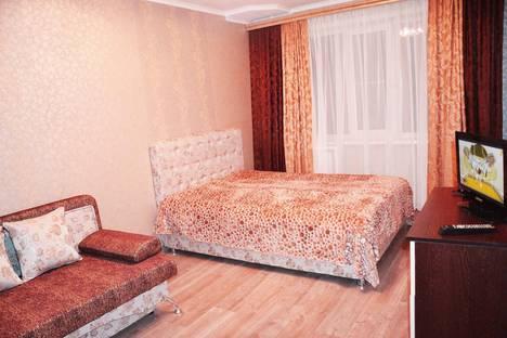Сдается 1-комнатная квартира посуточнов Чебоксарах, Ярмарочная, 15.
