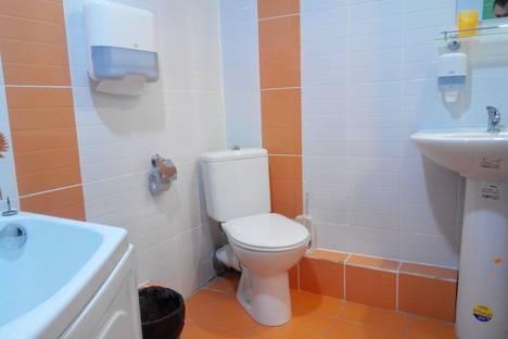 Сдается 1-комнатная квартира посуточно в Перми, шоссе Космонавтов, 215.