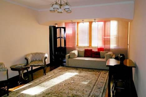 Сдается 2-комнатная квартира посуточнов Алматы, проспект Достык, 36.