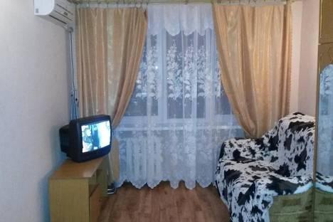 Сдается 1-комнатная квартира посуточно в Геленджике, ул. Херсонская, 22.