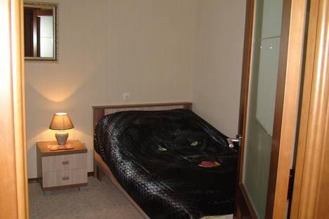 Сдается 3-комнатная квартира посуточно в Чебоксарах, ул. Никиты Сверчкова, 8.