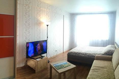 Сдается 2-комнатная квартира посуточнов Ижевске, ул. Зои Космодемьянской, 15.