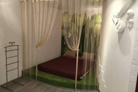 Сдается 1-комнатная квартира посуточно в Сургуте, ул. Игоря Киртбая, 20.
