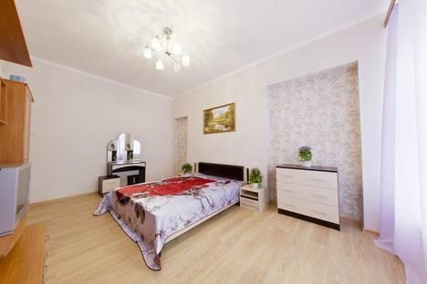 Сдается 3-комнатная квартира посуточнов Санкт-Петербурге, ул. Восстания, 9.