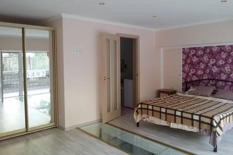 Сдается 2-комнатная квартира посуточно в Партените, ул . Прибрежная дом 7.