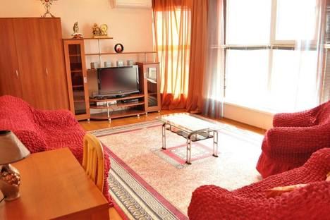 Сдается 2-комнатная квартира посуточно в Актау, 15 микрорайон 55 дом.