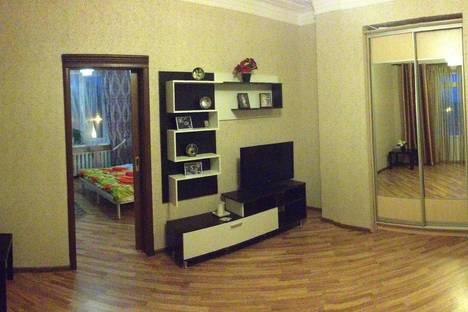 Сдается 2-комнатная квартира посуточно, ул. Орджоникидзе, 1.