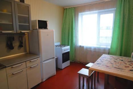 Сдается 2-комнатная квартира посуточно в Великом Новгороде, ул. Завокзальная, 6.