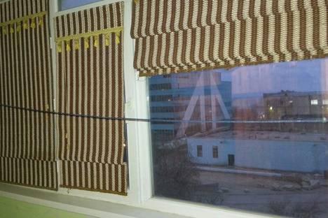 Сдается 2-комнатная квартира посуточно в Актау, 14-й микрорайон, 34А.