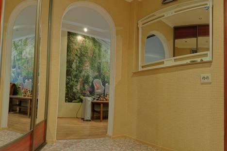 Сдается 1-комнатная квартира посуточно в Казани, проспект Ямашева, 79.