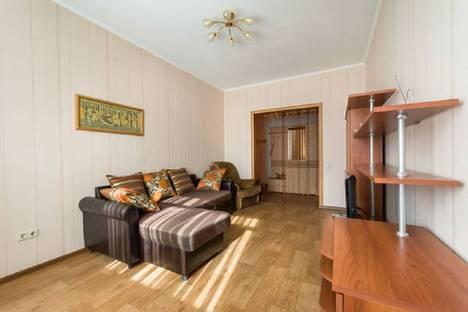Сдается 2-комнатная квартира посуточнов Казани, Карла Маркса, 42.
