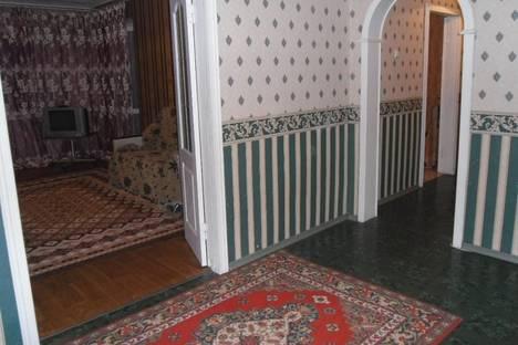 Сдается 3-комнатная квартира посуточнов Энгельсе, академика Антонова 33 а.