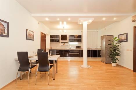 Сдается 4-комнатная квартира посуточно в Нижнем Новгороде, переулок Обозный,2.