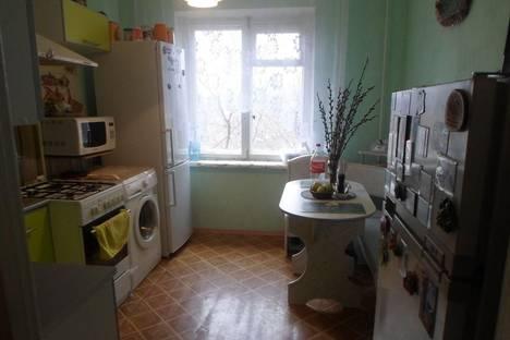 Сдается 2-комнатная квартира посуточнов Екатеринбурге, ул. 8 Марта, 129.