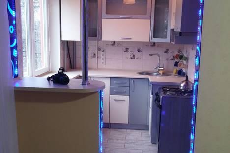 Сдается 1-комнатная квартира посуточно в Керчи, Горького 25.