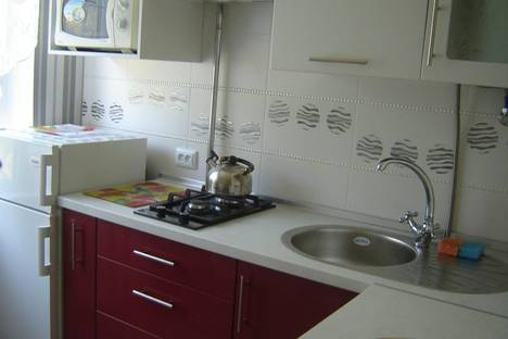Сдается 1-комнатная квартира посуточно в Алуште, Ялтинская,3.