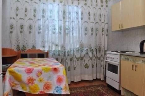 Сдается 1-комнатная квартира посуточно в Челябинске, Братьев Кашириных, 110.