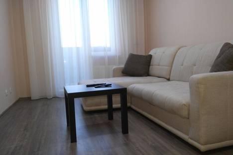 Сдается 1-комнатная квартира посуточно в Нижнем Тагиле, Булата Окуджавы, 9.
