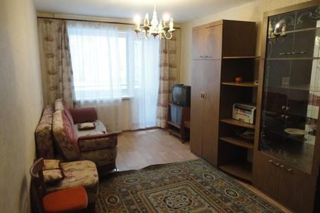 Сдается 1-комнатная квартира посуточнов Чебоксарах, Радужная 16.