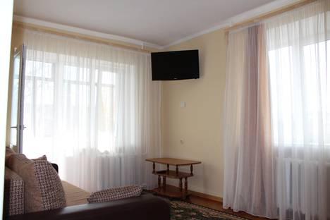 Сдается 1-комнатная квартира посуточно в Анапе, ул. Крымская, 128.