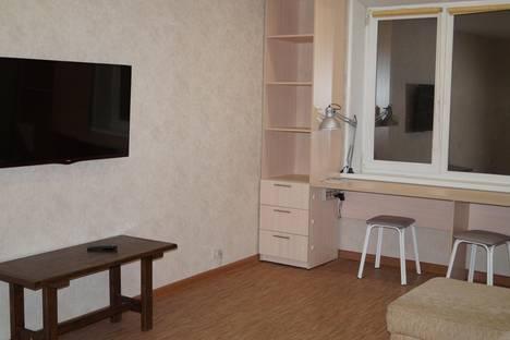 Сдается 2-комнатная квартира посуточно в Челябинске, Калинина 13.