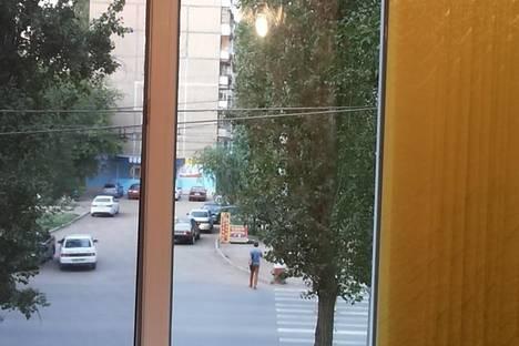 Сдается 1-комнатная квартира посуточнов Энгельсе, ПРОСПЕКТ СТРОИТЕЛЕЙ,17.