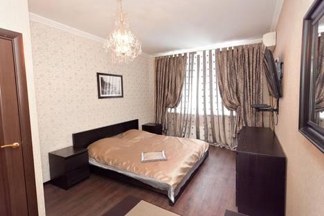 Сдается 1-комнатная квартира посуточно в Казани, ул. Чистопольская, 76.