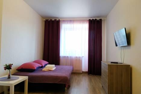 Сдается 1-комнатная квартира посуточно в Казани, ул. Рауиса Гареева, 96.