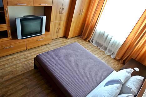 Сдается 1-комнатная квартира посуточно в Подольске, ул. Школьная,  35 а.