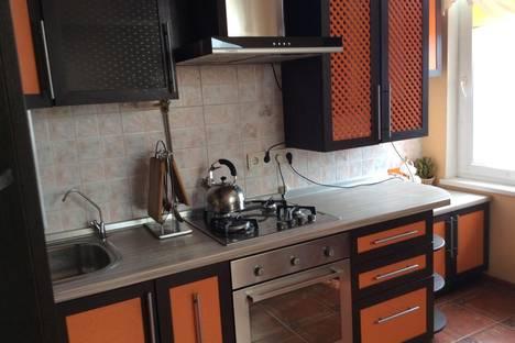 Сдается 2-комнатная квартира посуточно в Симферополе, Луговая,4.